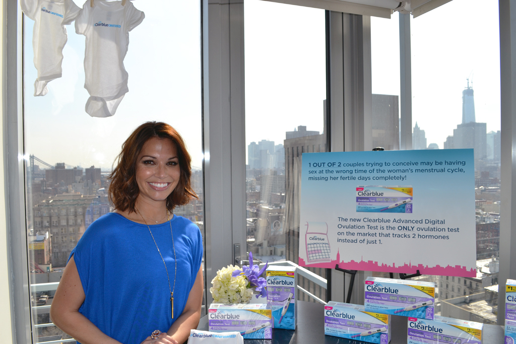 Melissa Rycroft partners with Clearblue to launch the new Advanced Digital Ovulation Test. (Photo: Business Wire)