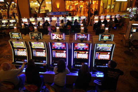 Mohegan Sun and Bally Technologies, Inc. Break Two World Records in One Day  | Business Wire