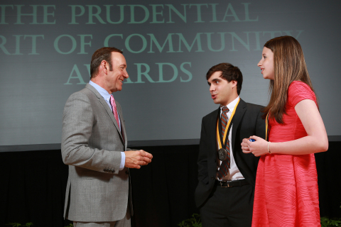 Academy Award-winning actor Kevin Spacey congratulates David Resnick, 18, of Roswell (center) and Kelsey Hirsch, 13, of Cumming (right) on being named Georgia's top two youth volunteers for 2013 by The Prudential Spirit of Community Awards. David and Kelsey were honored at a ceremony on Sunday, May 5 at the Smithsonian's National Museum of Natural History, where they each received a $1,000 award. (Photo: Business Wire)