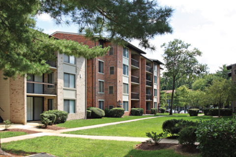 "Morgan Properties (""Morgan"") and its equity partner, New York-based DRA Advisors LLC (""DRA"") have formed a joint venture partnership to acquire Northampton Apartments, a 620-unit multifamily apartment community located in Largo, Maryland. (Photo: Morgan Properties)"