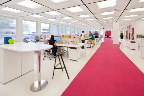Recognized for interior design excellence, the innovative and playful design space of the 3M Global ...