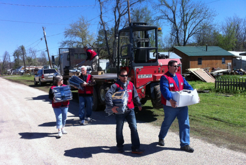 Lowe's employee volunteers deliver emergency supplies to an American Red Cross shelter in Spavinaw, Okla., after a tornado destroyed dozens of homes and businesses there in April. (Photo: Business Wire)