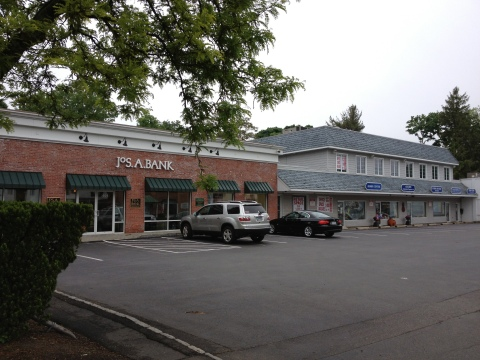 Cos Cob Plaza 393-407 East Putnam Avenue Greenwich, CT (Photo: Business Wire)