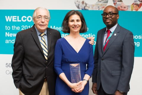 Anne Comeau (center) receives the 2013 Dr. Harry Hannon Award from (L) Dr. Harry Hannon, Emeritus (Retired) chief, Newborn Screening Branch, Centers for Disease Control and Prevention, and (R) Jelili Ojodu, director, Newborn Screening and Genetics at the Association of Public Health Laboratories. (Photo: Business Wire)
