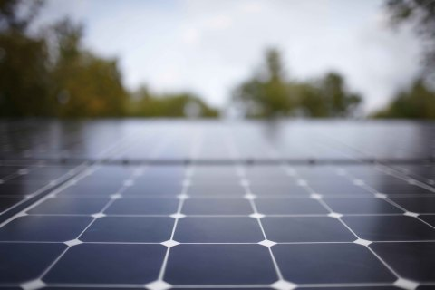 RevoluSun offers the SunPower(R) X-Series Solar Panel, the most efficient panel on the market today. The same size as a 240-watt panel, the X-Series produces 345 watts in the same footprint. The panels are also available in all black. (Photo: Business Wire)