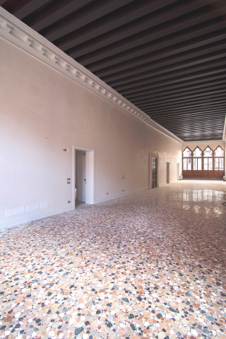Perfect home for hanging modern art: Palazzo Molin - contemporary apartments in Venice (Photo: Business Wire)