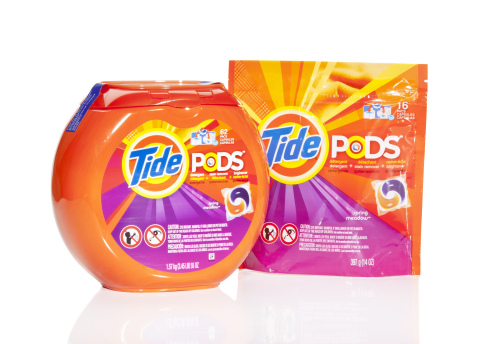 Tide Pods New Opaque Packaging (Tub & Pouch) (Photo: Business Wire)