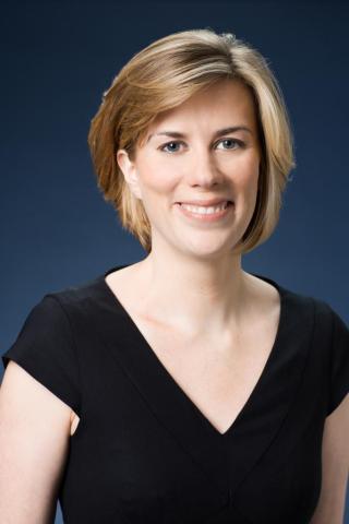 Sarah Madigan, a Vicepresidenta Ejecutiva De Distribución De Contenido, Univision Communications Inc ...