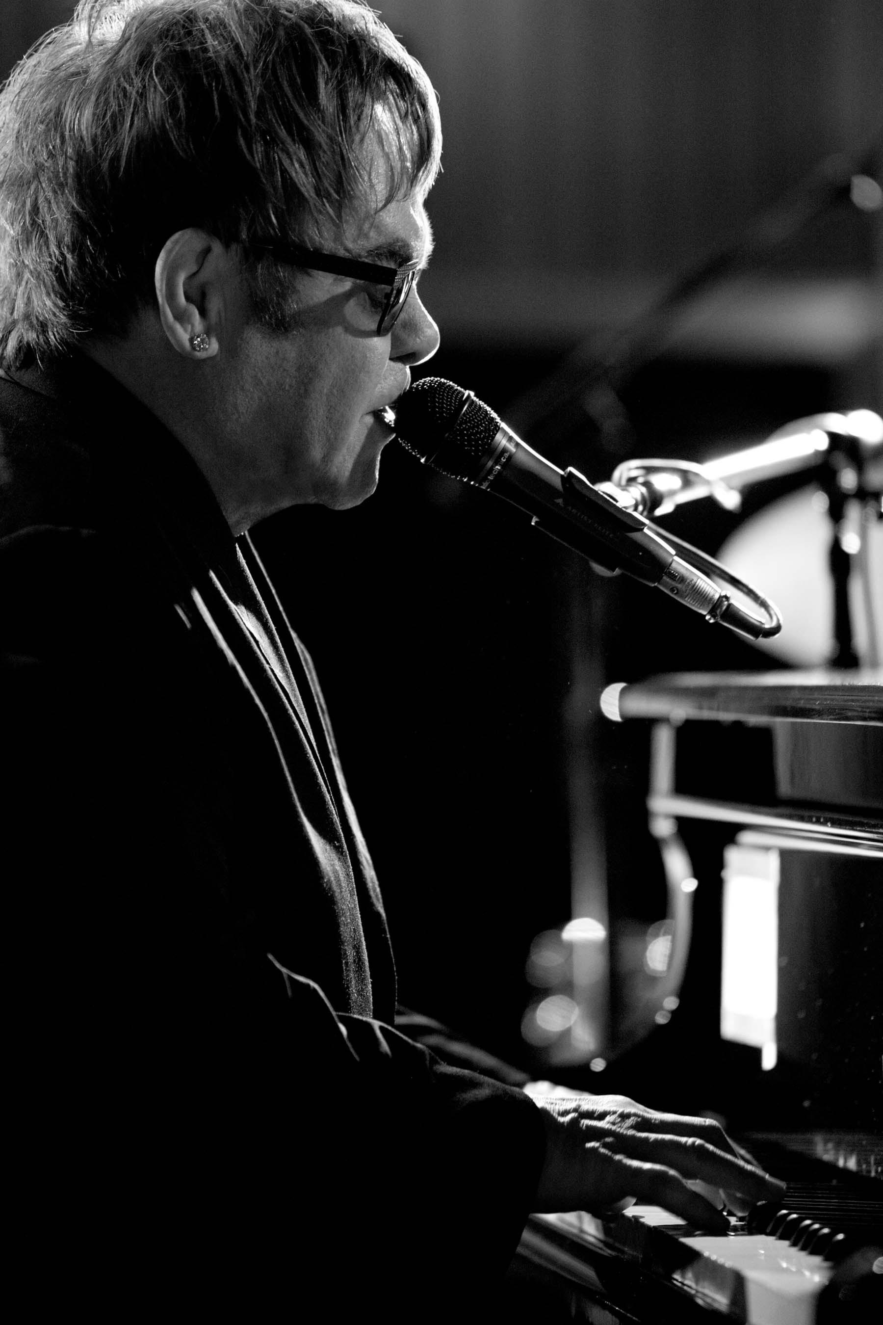 Elton John, iHeartRadio Music Festival 2013 (Photo: Business Wire)
