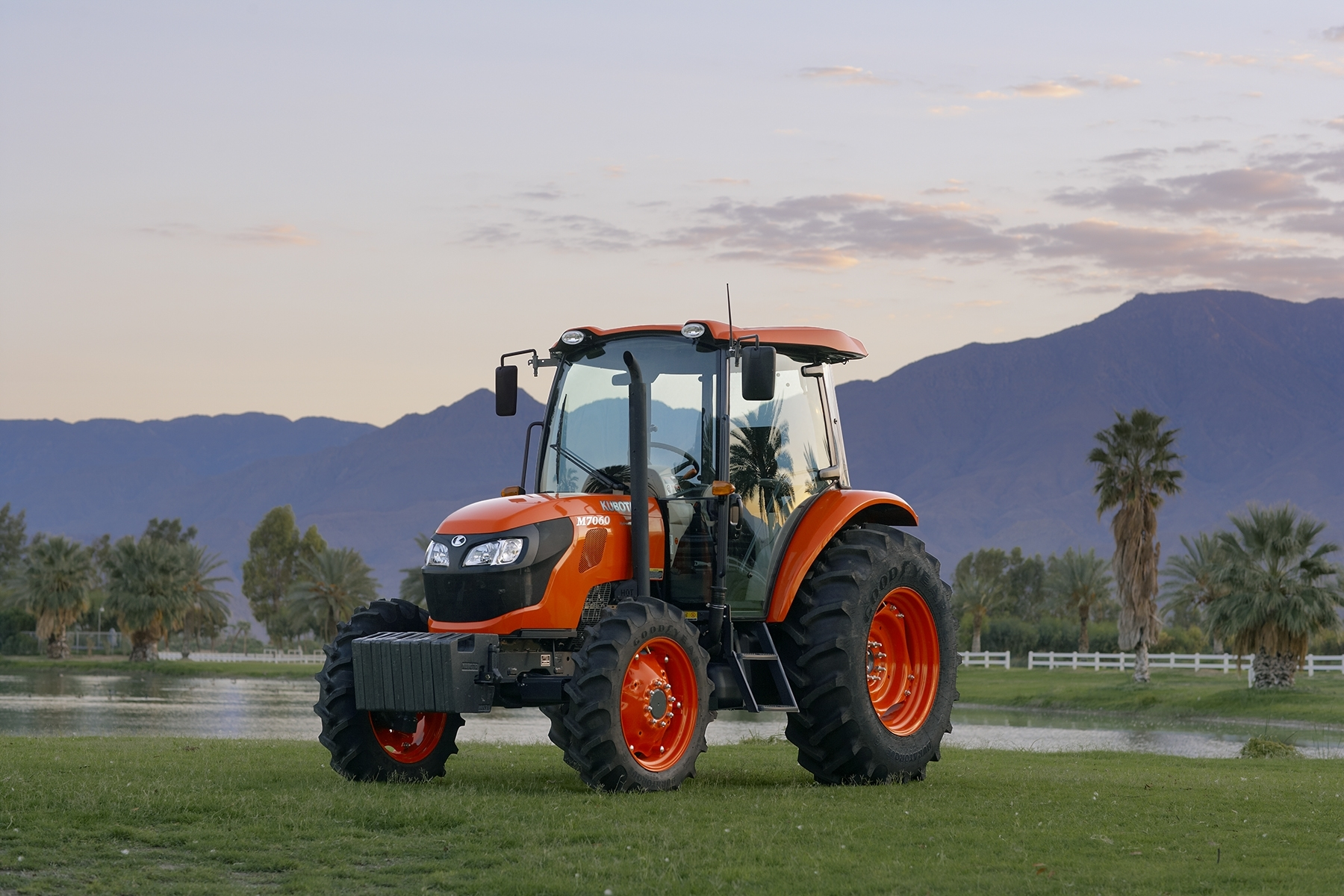 kubota adds two new models to its m series utility ag. Black Bedroom Furniture Sets. Home Design Ideas