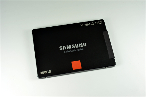 New Samsung V-NAND SSD (Photo: Business Wire)