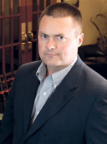 Dennis Veilleux appointed President and CEO of Colt Defense LLC (Photo: Business Wire)