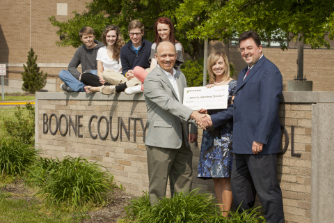 In honor of Kimberly Shearer and educators everywhere, Dollar General made a $10,000 donation to Boone County High School in Florence, Ky. (Photo: Business Wire)