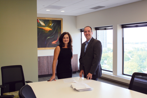 Stewart enters the capital markets space. As shown: Sue Allon, new vice chairman for Stewart Lender Services, and CEO, Jason Nadeau (Photo: Business Wire)