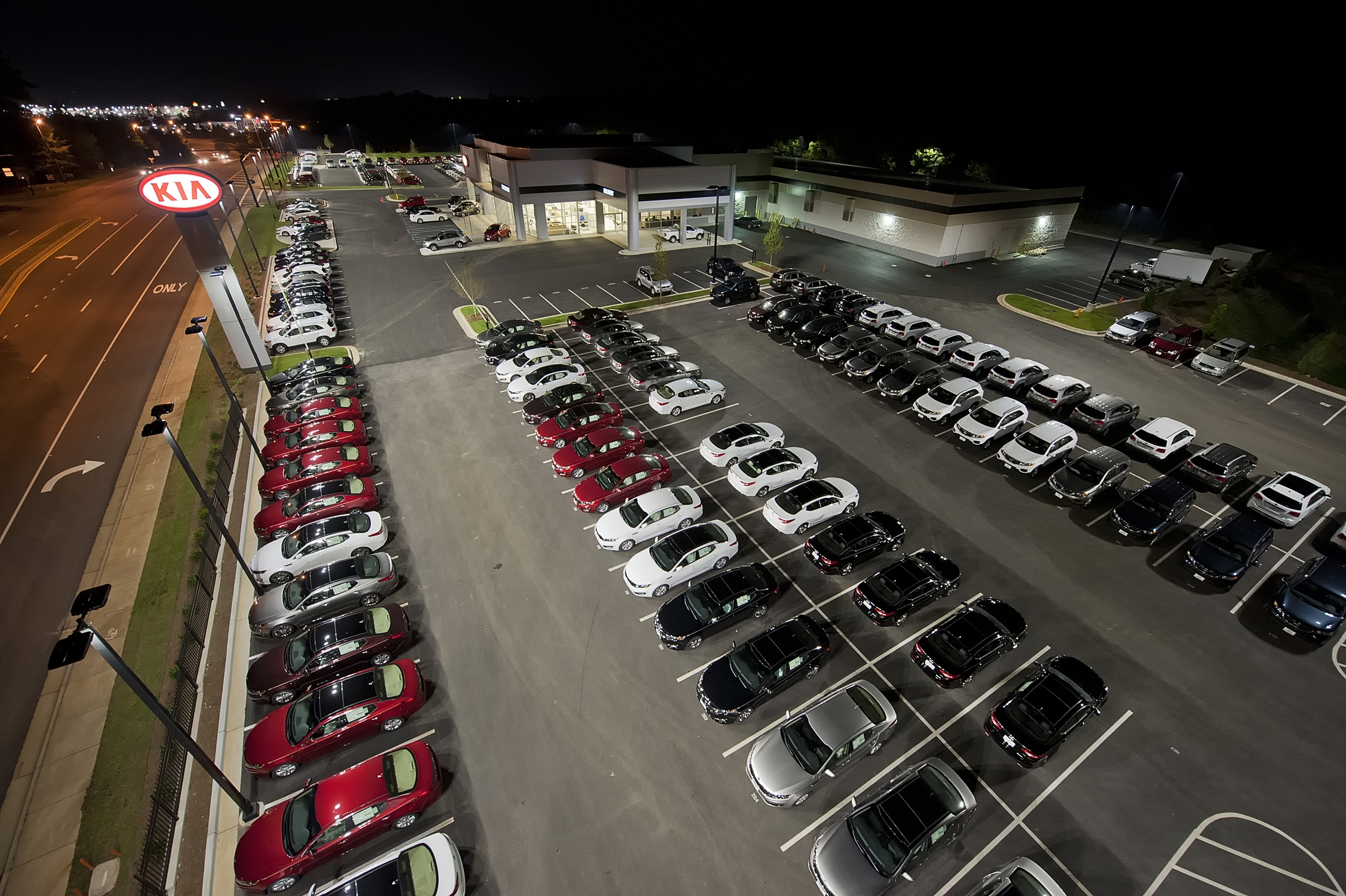 GE Outdoor LED Lighting Highlights Vehicle Inventory at KIA AutoSport Dealership | Business Wire & GE Outdoor LED Lighting Highlights Vehicle Inventory at KIA ... azcodes.com