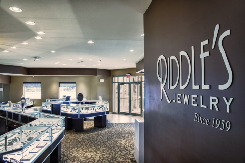 GE's LED replacement lamps will save Riddle's Jewelry between 20-25% in jewelry store lighting energ ...