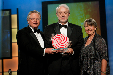 From left to right: Clifford Hudson, chairman, chief executive officer and president of Sonic Corp.; Dennis Clark, president and chief executive officer of Encore Restaurants, Inc. and Linda Clark, vice-president and chief financial officer of Encore Restaurants, Inc. (Photo: Business Wire)