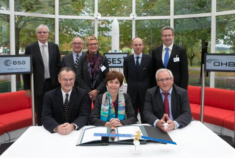 Courtesy: SES 1.row: Martin Halliwell (SES) - Magali Vaissière (ESA) - Gerhard Bethscheider (SES Tec ...