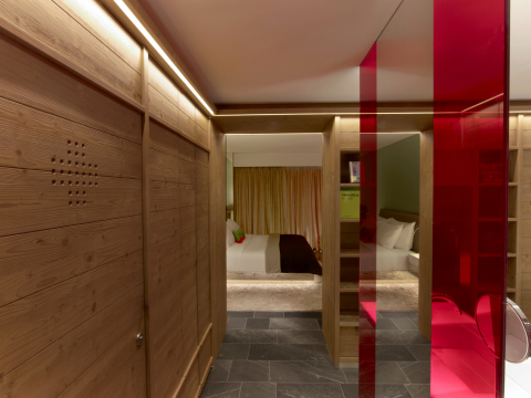 A peek into the Spectacular Room at W Hotel Verbier (Photo: Business Wire)