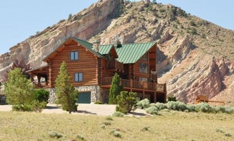Albert burney inc to sell custom log cabin in wyoming for Selling a log home