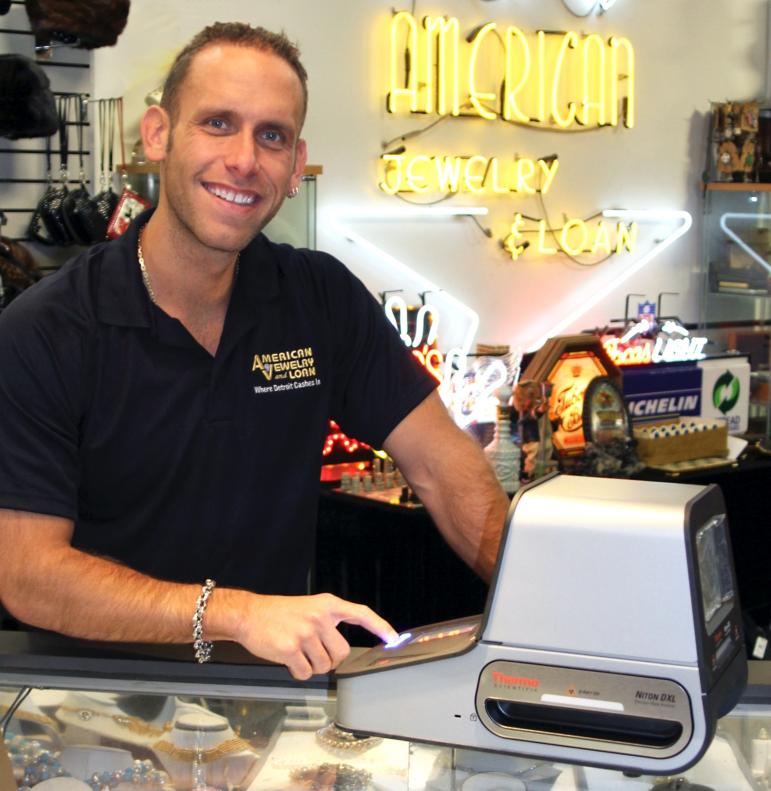 American jewelry and loan adopts thermo scientific xrf for Family jewelry and loan