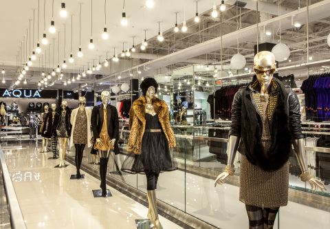 Bloomingdale's Glendale, CA (Photo: Business Wire)