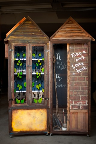 20th Century Fox and Little Free Libraries are teaming up to promote the Studio's new motion picture THE BOOK THIEF. This is the first time Little Free Libraries, with over 12,000 locations (and counting), has partnered with a major motion picture company. The promotion includes two custom-made, THE BOOK THIEF-themed Little Libraries, one each in New York City and Los Angeles. (Photo: Business Wire)