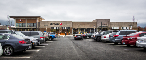 Safeway, one of Grand Ridge Plaza's newest anchor stores (Photo: Business Wire)