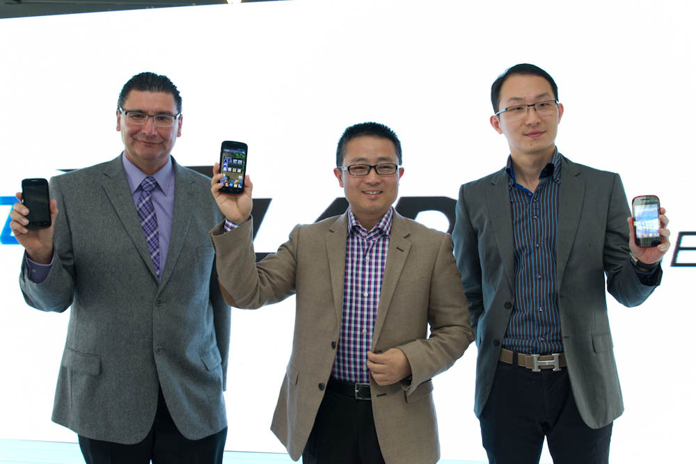 (From left to right) Mr. Oscar Lara (Terminal VP of ZTE de Mexico), Mr. Xiong Hui (SVP of ZTE Corp.), Mr. Zhu Wenqi (CEO of ZTE de Mexico) announce the launch of the new ZTE smartphones in Mexico City on 14 November, 2013. (Photo: Business Wire)