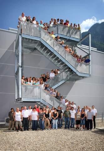 Optics Balzers besch&aumlftigt in Balzers 130 Mitarbeitende. In naher Zukunft entstehen hier 17 neue Arb ...