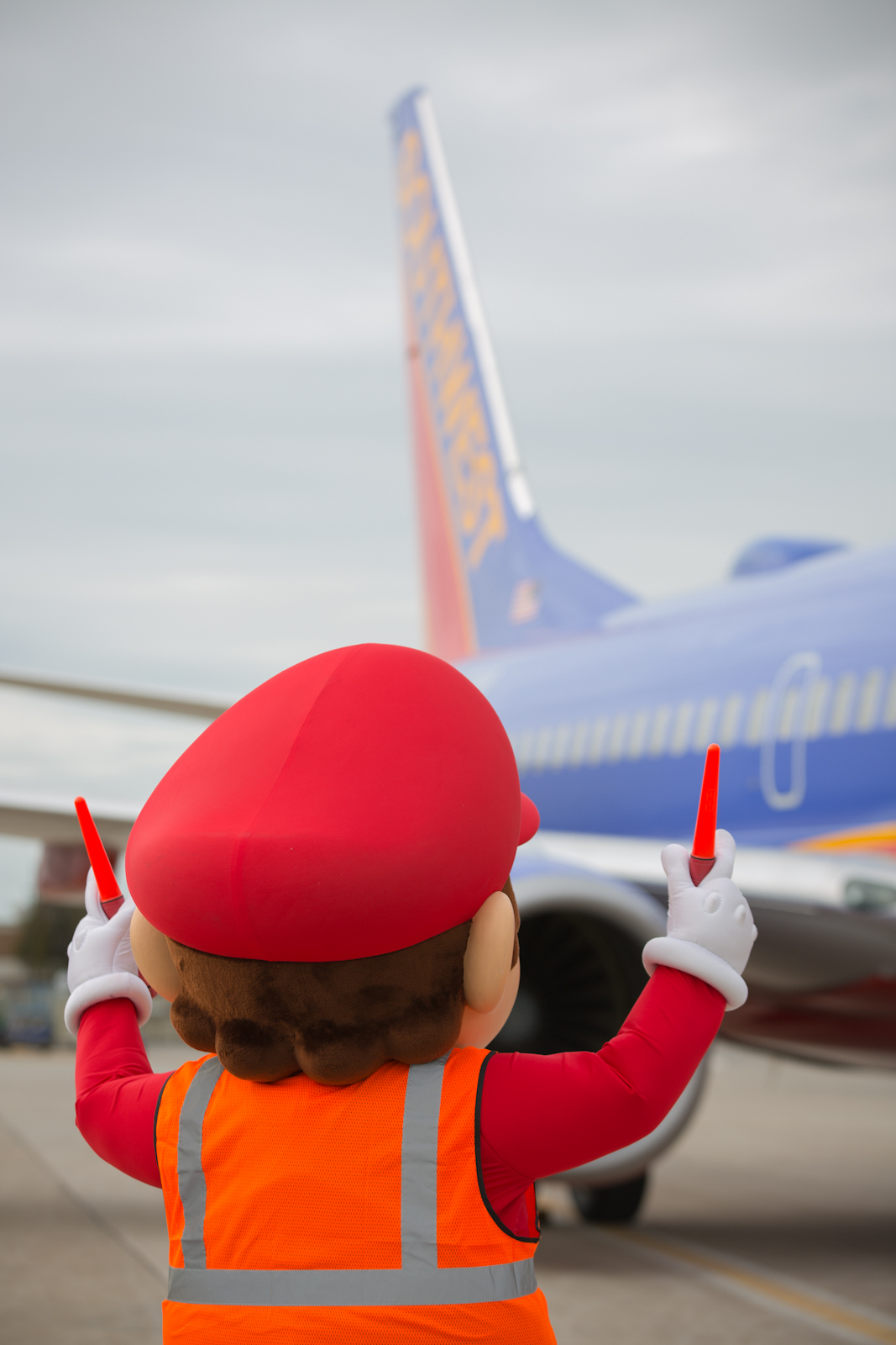 Mario himself will be at Dallas Love Field waiting to greet a Southwest Airlines flight full of lucky Customers with a very special surprise for the holidays. (Photo: Business Wire)