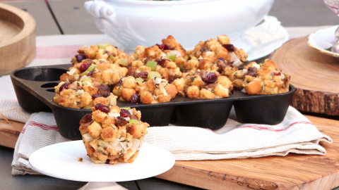 Leave room for dessert with these perfectly portioned Individual Cranberry Stuffing Cups. For more hosting tips and tricks, or last minute recipe ideas, visit www.oceanspray.com. (Photo: Business Wire)