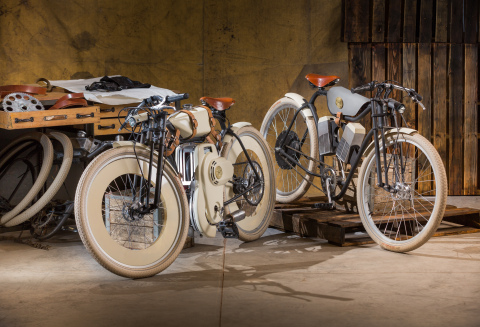 Cruiser prototypes from Local Motors. (L) Gas-powered Cruiser. (R) Electric Cruiser. (Photo: Business Wire)
