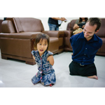 As part of his World Outreach tour, evangelist Nick Vujicic met with a little girl in Phnom Penh, Cambodia, in May 2013 with whom he shared more than a few similarities. (Photo: Business Wire)