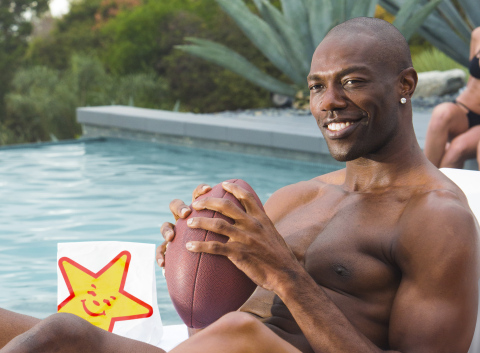 Former Philadelphia pro wide receiver Terrell Owens teams up with Carl's Jr. and Hardee's in a new ad for the return of the Philly Cheesesteak Thickburger® (Photo: Business Wire)