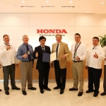 The FAA presented Honda Aircraft Company with Part 145 Repair Certification for its customer service facility on Dec. 20, 2013 (Photo: Business Wire)