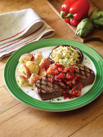 Applebee's zesty Roma Pepper Steak is Weight Watchers®-endorsed and has an extra kick of flavor without the guilt. (Photo: Business Wire)