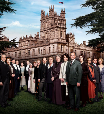 The cast of Downton Abbey, Season 4. (Credit: Carnival Film and Television Limited 2013 for MASTERPIECE)