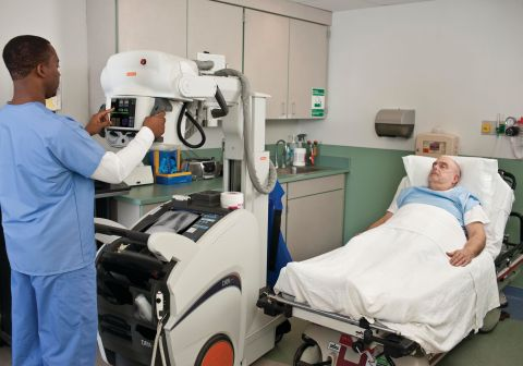 The DRX-Revolution mobile X-ray system enables medical staff to quickly and easily produce exceptionally high-quality images of seriously ill or injured patients. (Photo: Business Wire)