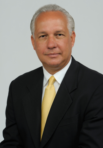 Dr. Valverde, Humana (Photo: Business Wire)