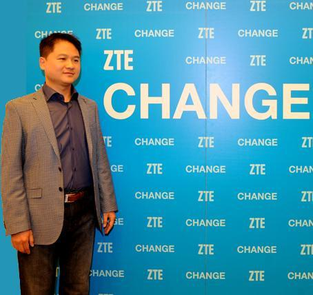 Mr. Zeng Xuezhong, ZTE's new Global Head of Mobile Devices, introduces a new consumer-centric mobile device strategy at CES 2014 (Photo: Business Wire)