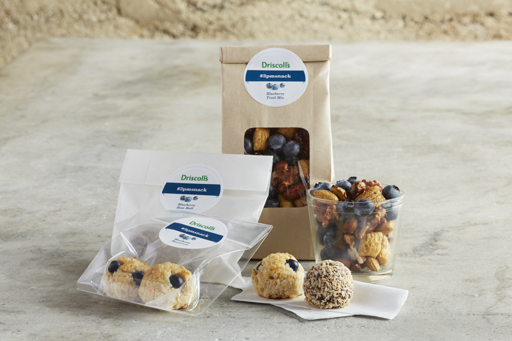 Curb those afternoon cravings with delicious, low-cal, on the go blueberry snacks. (Photo: Business Wire)