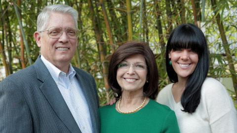 Emmet Stephenson, his wife Toni and their daughter Tessa Stephenson Brand (Photo: Business Wire)