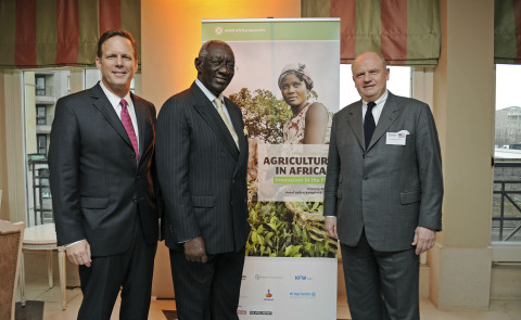 Rob Smith, AGCO Senior Vice President & General Manager Europe, Africa and Middle East, John Agyekum Kufuor, Former President of Ghana & Chairman of The John A. Kufuor Foundation and Martin Richenhagen, AGCO Chairman, President & CEO at the AGCO Africa Summit 2014. (Photo: Business Wire)