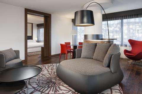 Executive Suite- Sheraton Zurich (Photo: Business Wire)