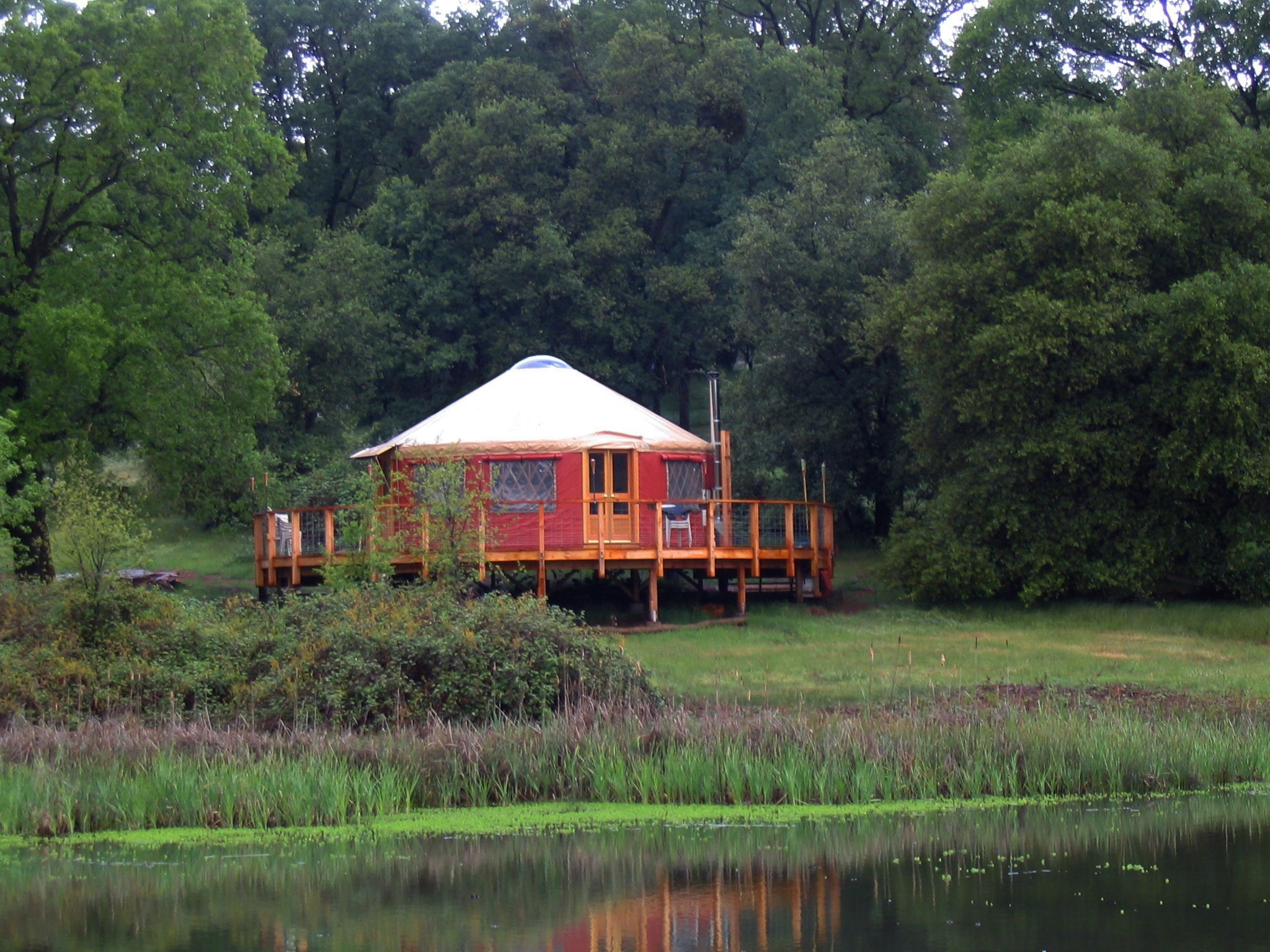Pacific Yurts used for lakeside recreation cabin (Photo: Business Wire)