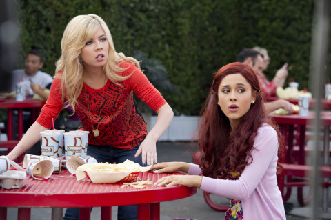 "Original series ""Sam & Cat,"" starring Jennette McCurdy and Ariana Grande, helped drive Nickelodeon to its 12th consecutive month of year-over-year ratings growth in January. (Photo Credit: Lisa Rose/Nickelodeon.)"