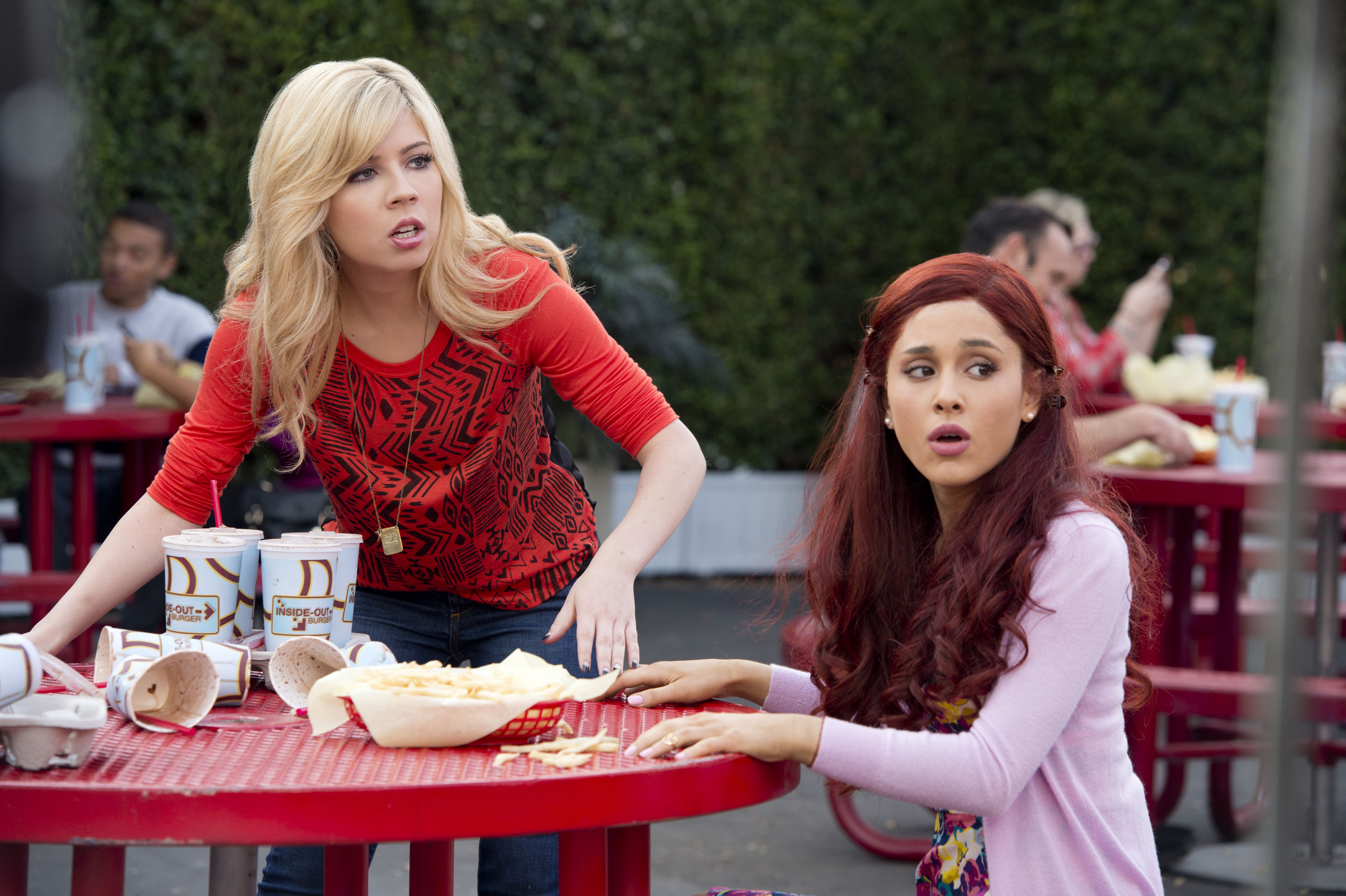 """Original series """"Sam & Cat,"""" starring Jennette McCurdy and Ariana Grande, helped drive Nickelodeon to its 12th consecutive month of year-over-year ratings growth in January. (Photo Credit: Lisa Rose/Nickelodeon.)"""
