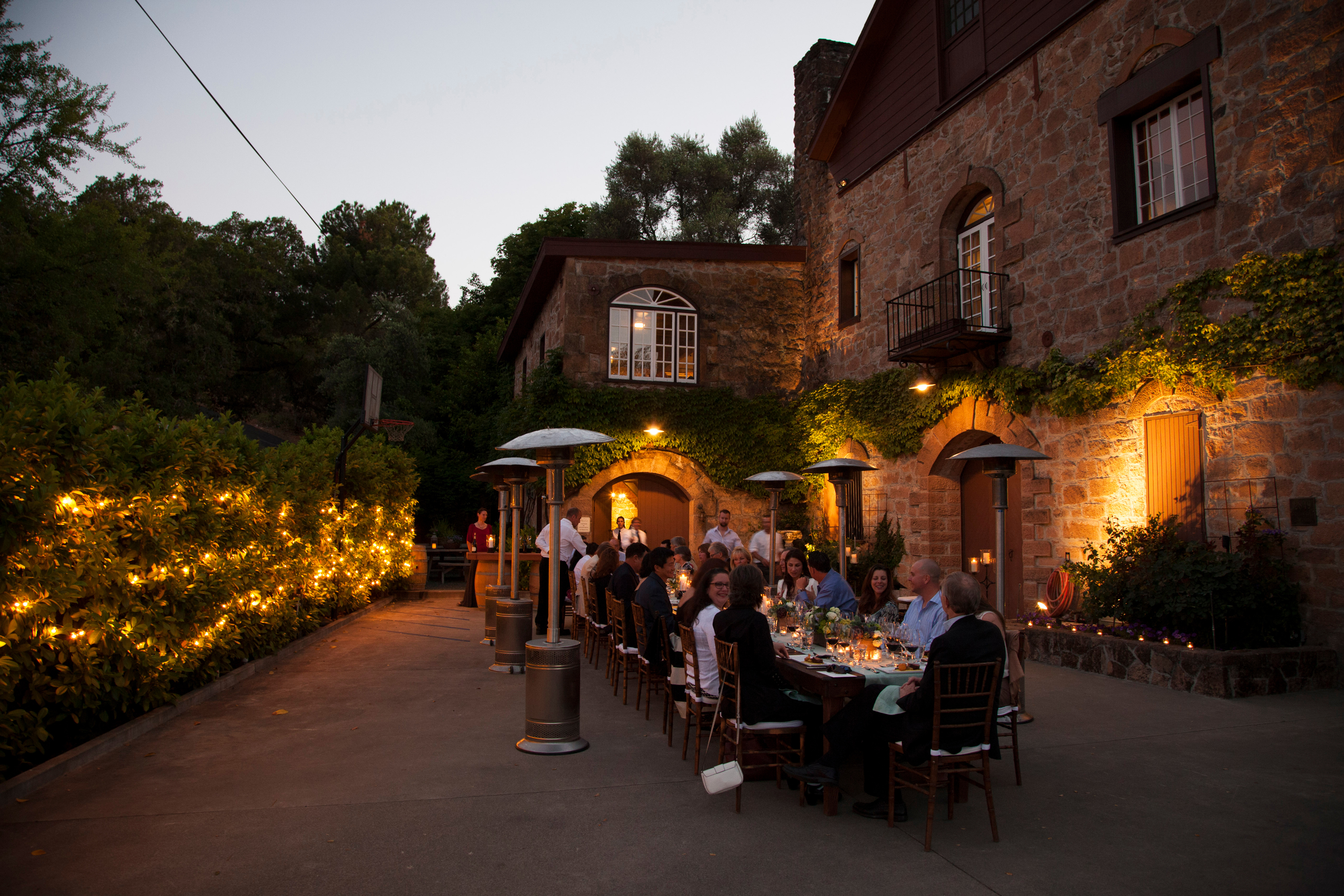 Friday Night Vintner Hosted Dinner (Photo: Business Wire)