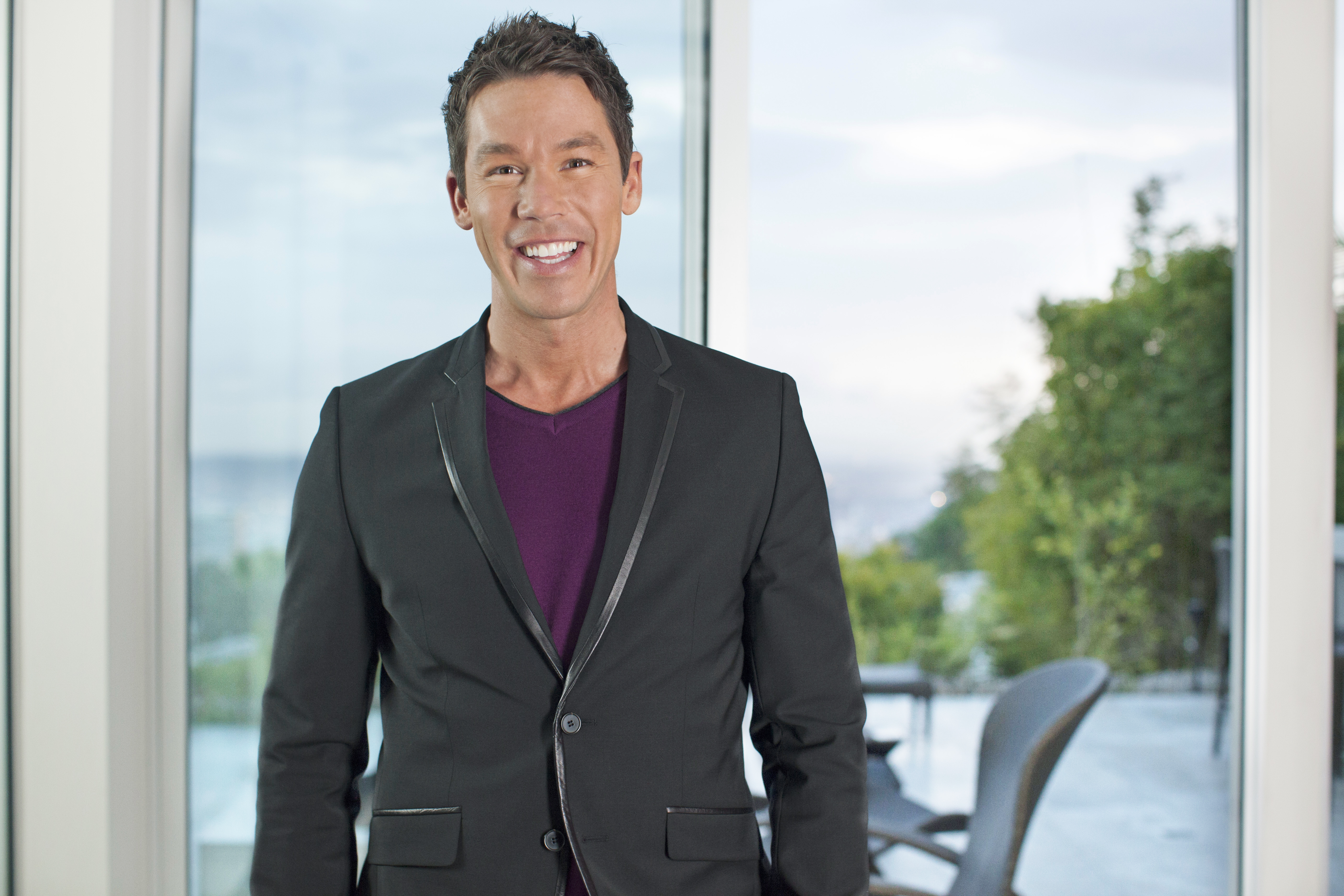 "David Bromstad, host of HGTV's ""Color Splash,"" will meet attendees of the Kitchen and Bath Industry Show and the International Builders Show, Feb. 4-6 in Las Vegas. (Photo: Business Wire)"